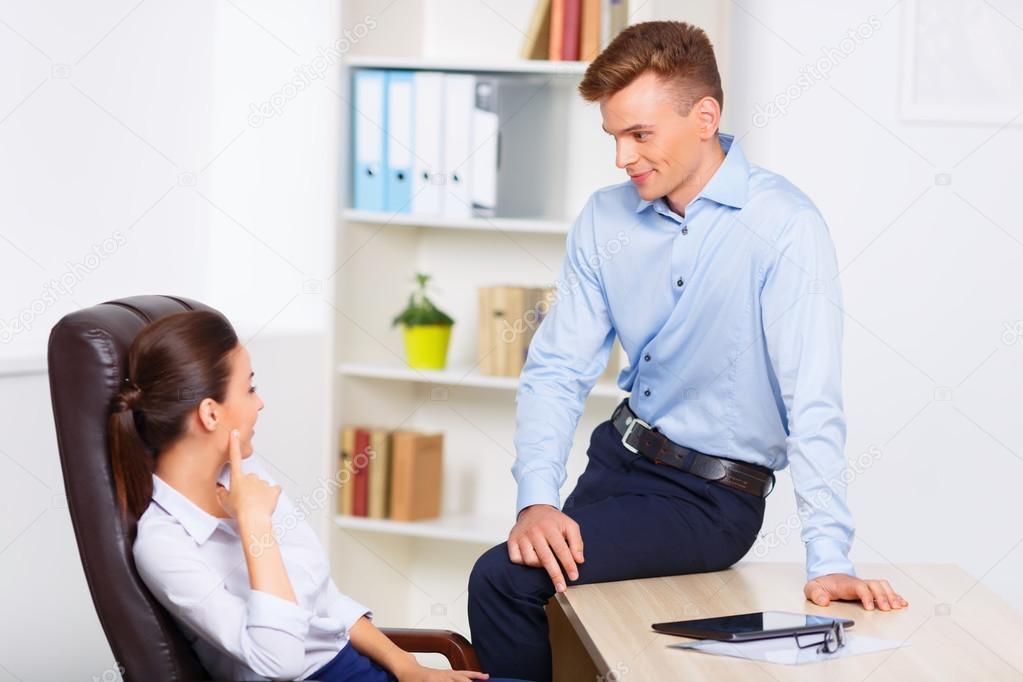 Amour au bureau : 9 règles à connaître - ecolalies.fr