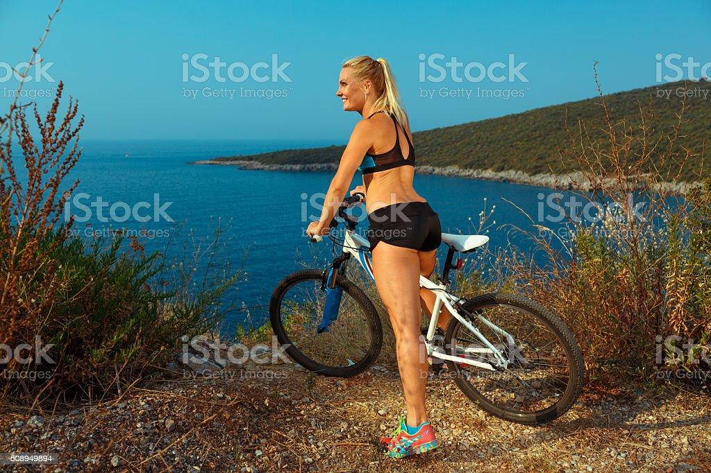 à la recherche de costumes de vélo pour femmes - ecolalies.fr