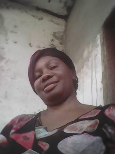 Camerounaise cherche blanc à marier sur les sites de rencontres