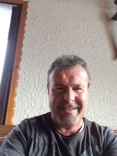 recherche homme 60 ans et plus)