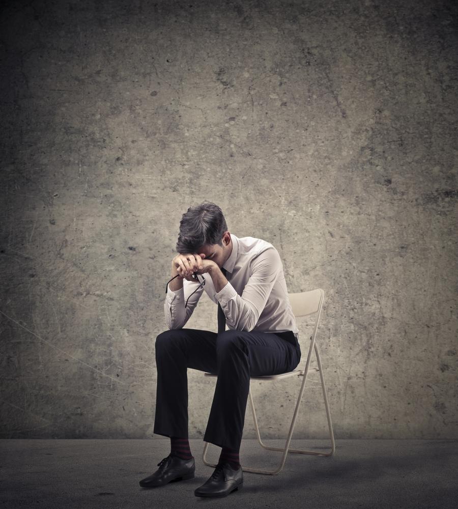 homme insociable qui recherche la solitude