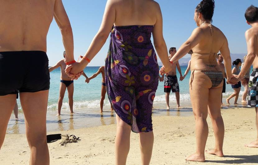 cherche celibataire pour partir en vacances)