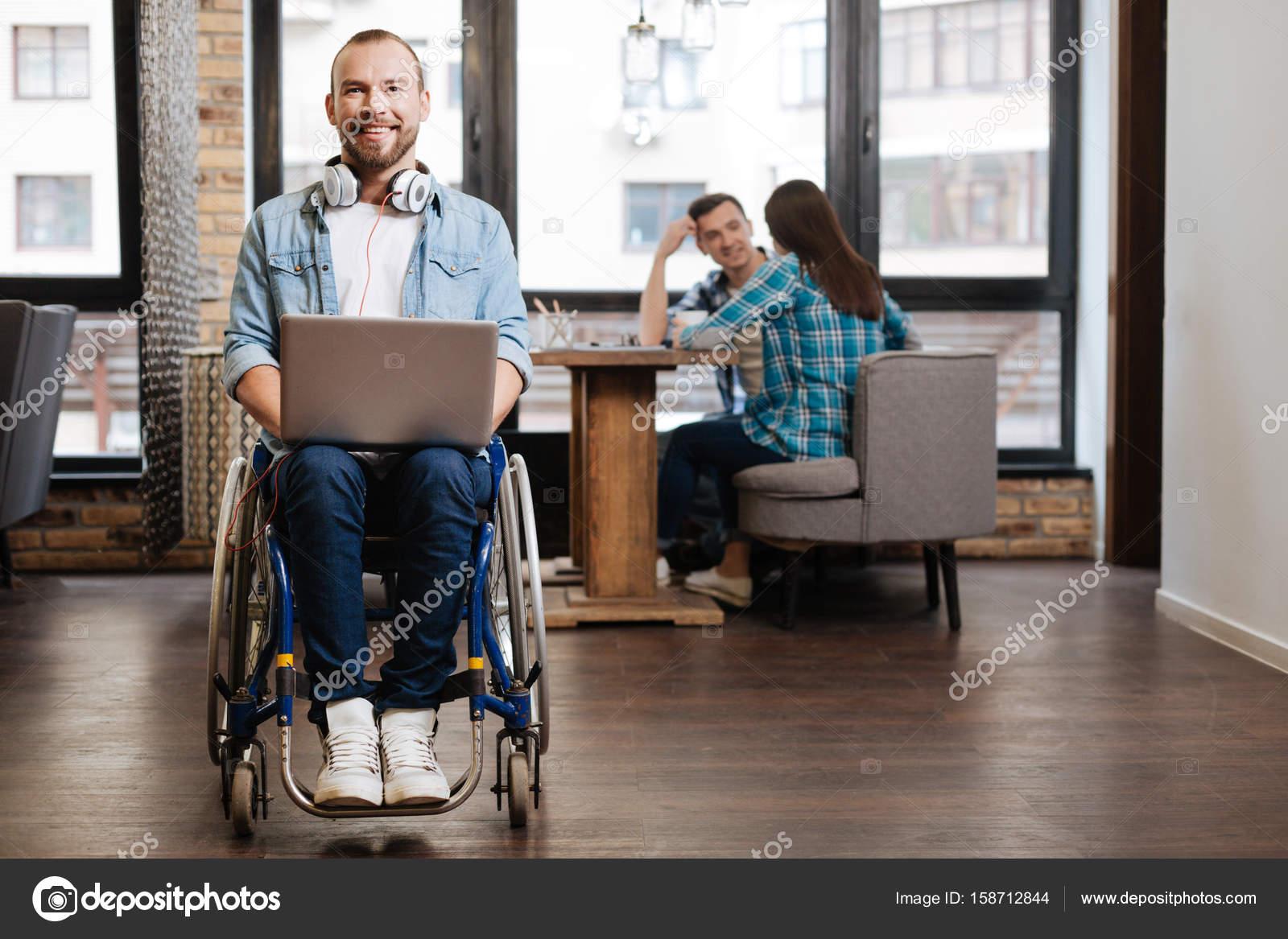 recherche homme handicape)