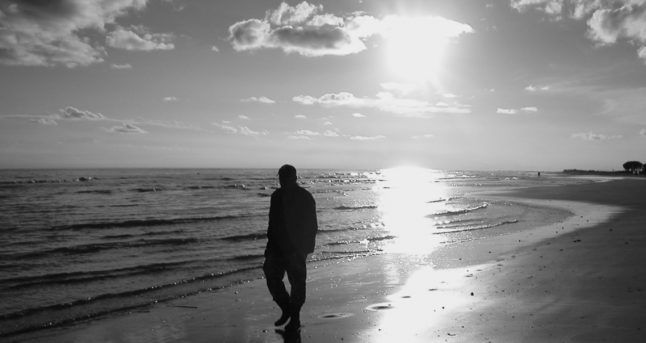homme insociable qui recherche la solitude)