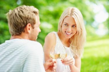 flirter in french means)