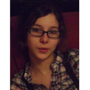 Lydie - Tours : Jeune fille sérieuse cherche baby-sitting