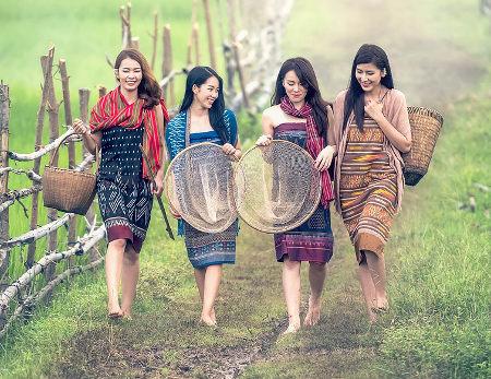 recherche femme thailande)