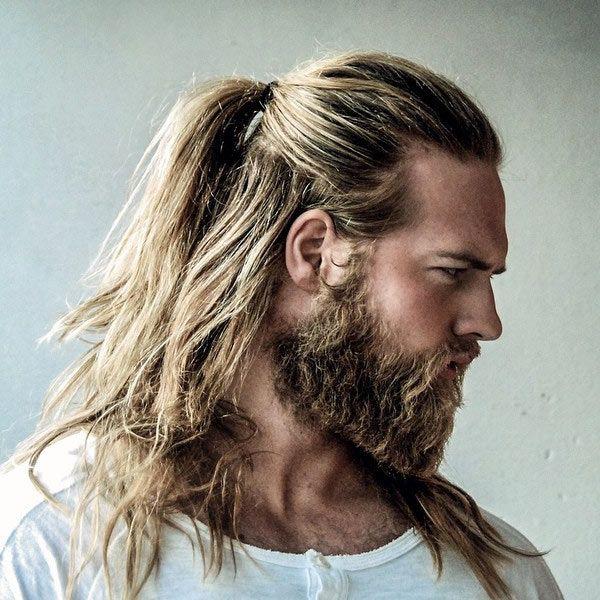 Pour ou contre les hommes aux cheveux longs?