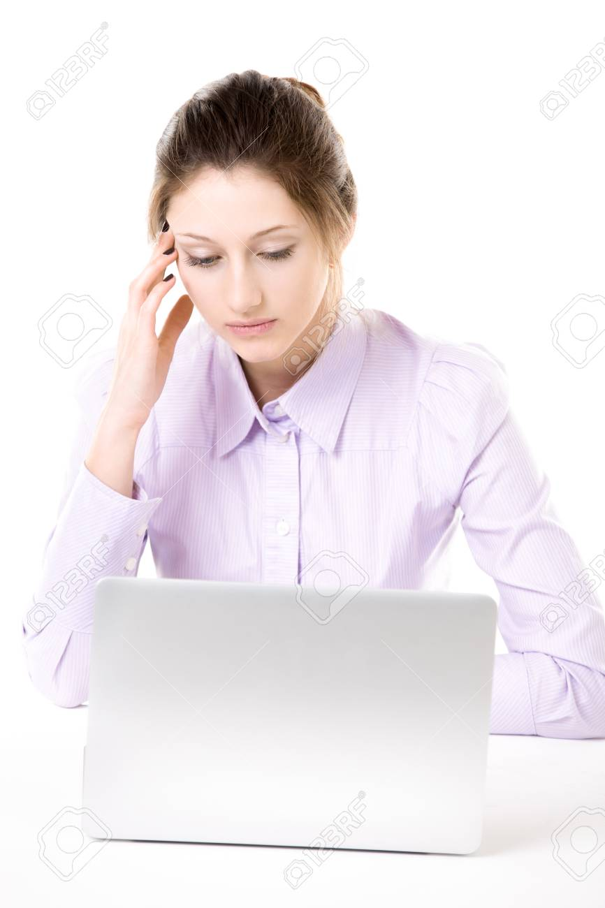 jeune femme cherche travail)