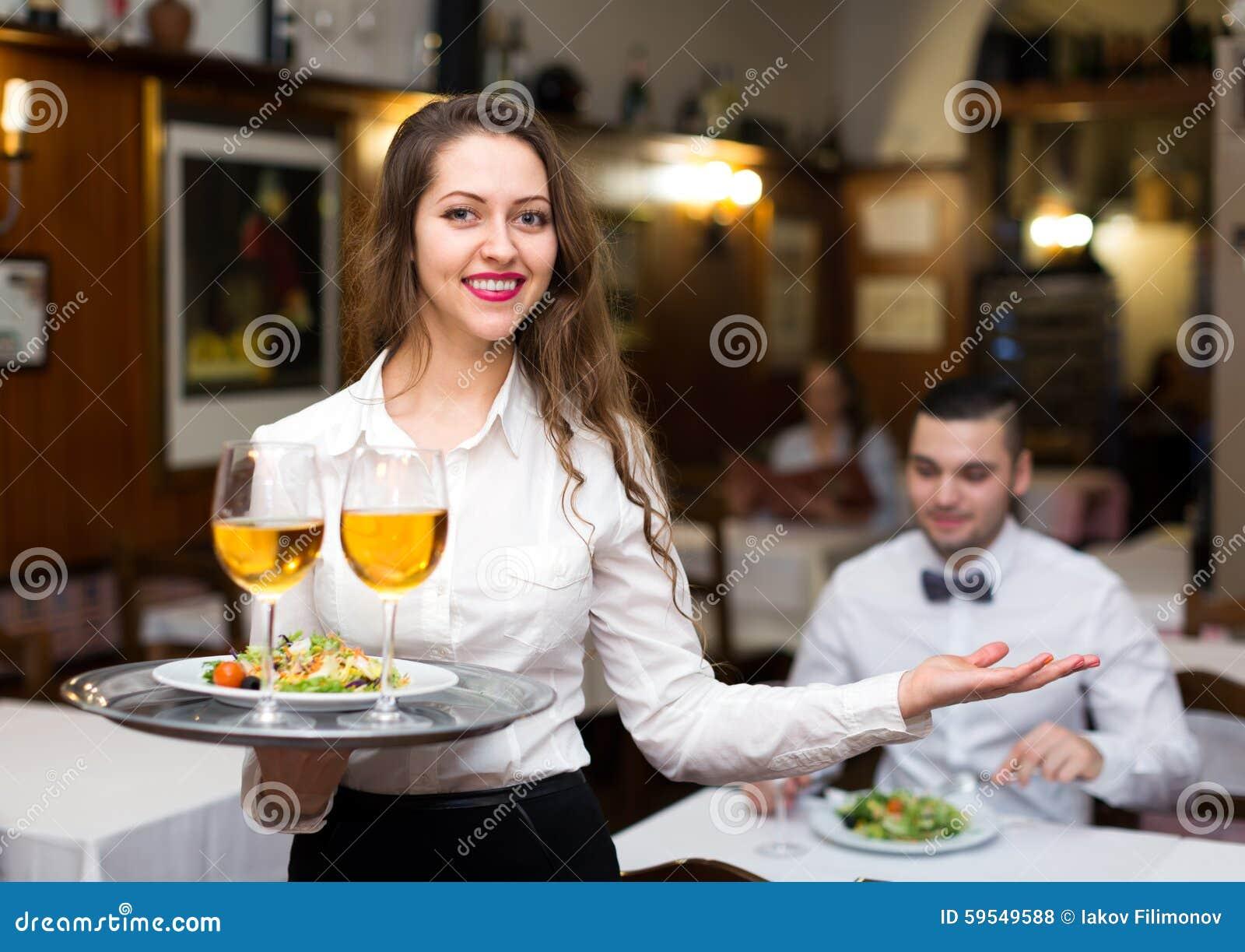 flirter serveuse