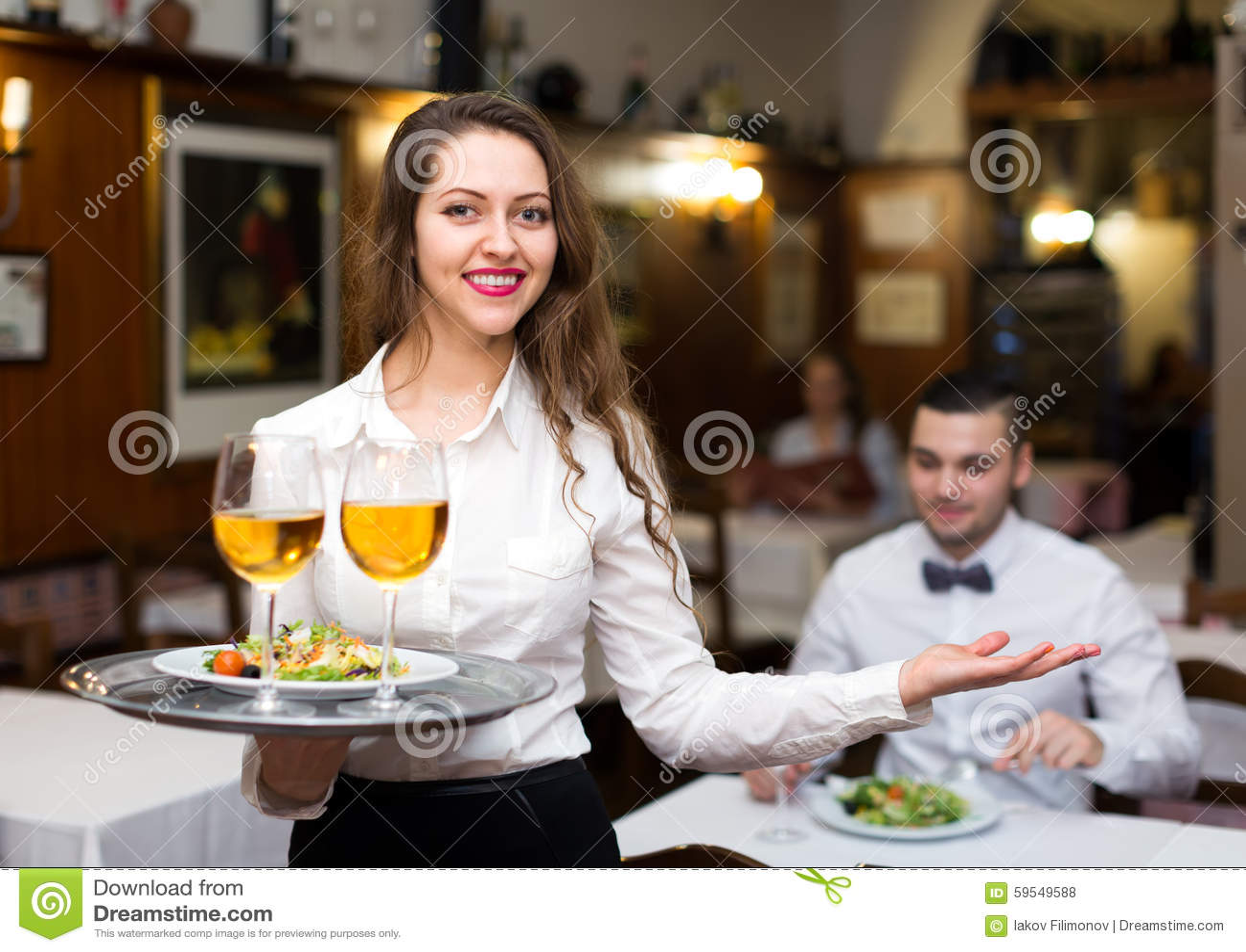 flirter serveuse)
