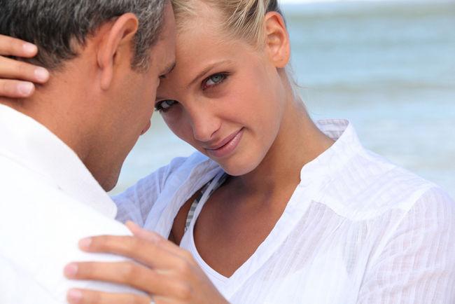 flirter avec un homme plus agé)