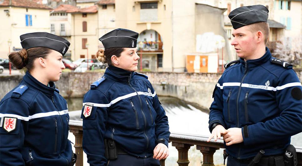 femme recherche gendarme