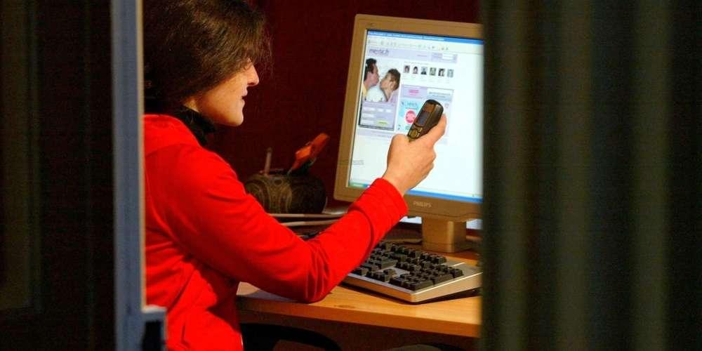 Meetic, Adopteunmec... les vraies audiences des sites de rencontres. Et leur pourcentage de femmes.