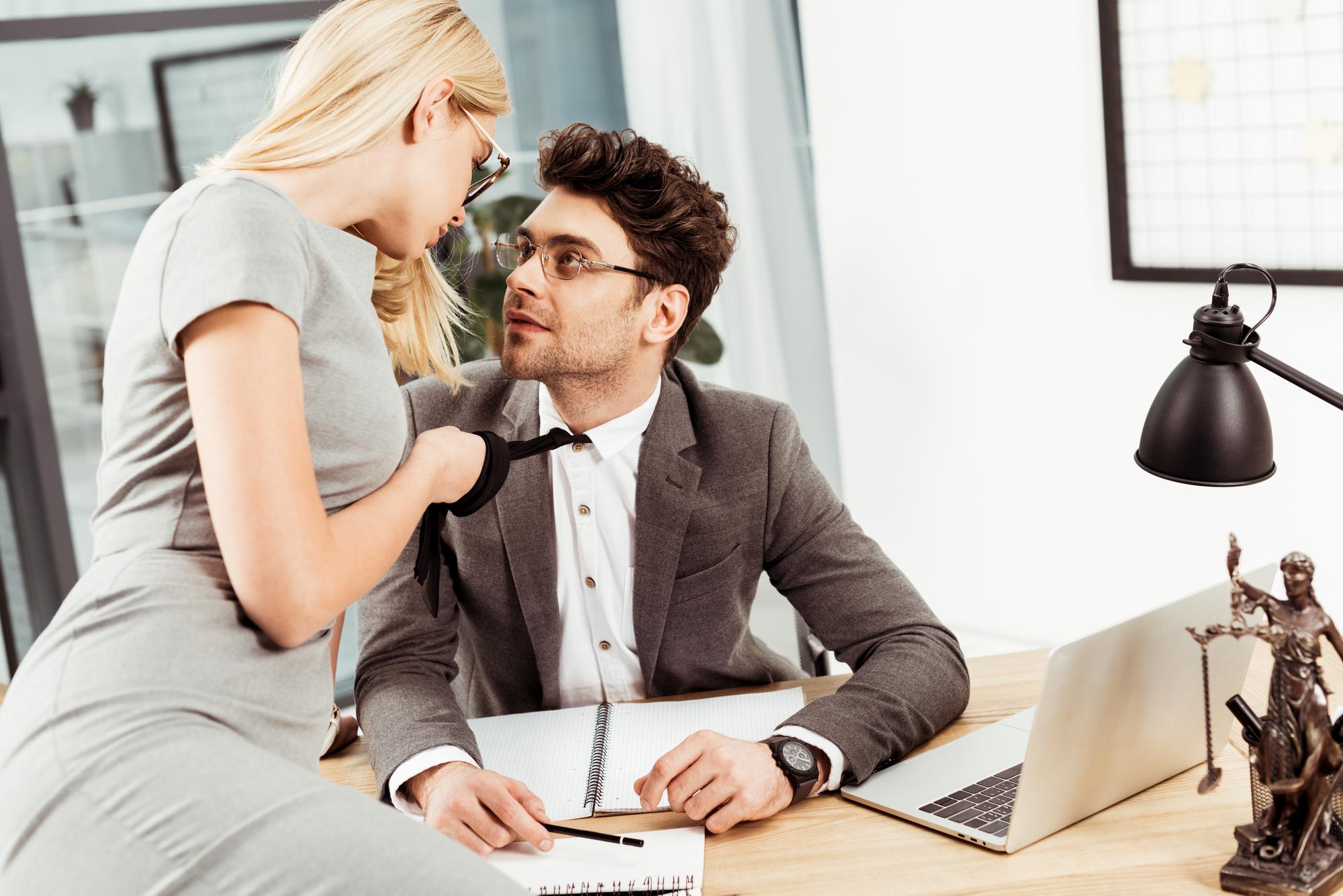 Min mand flirter med kollega