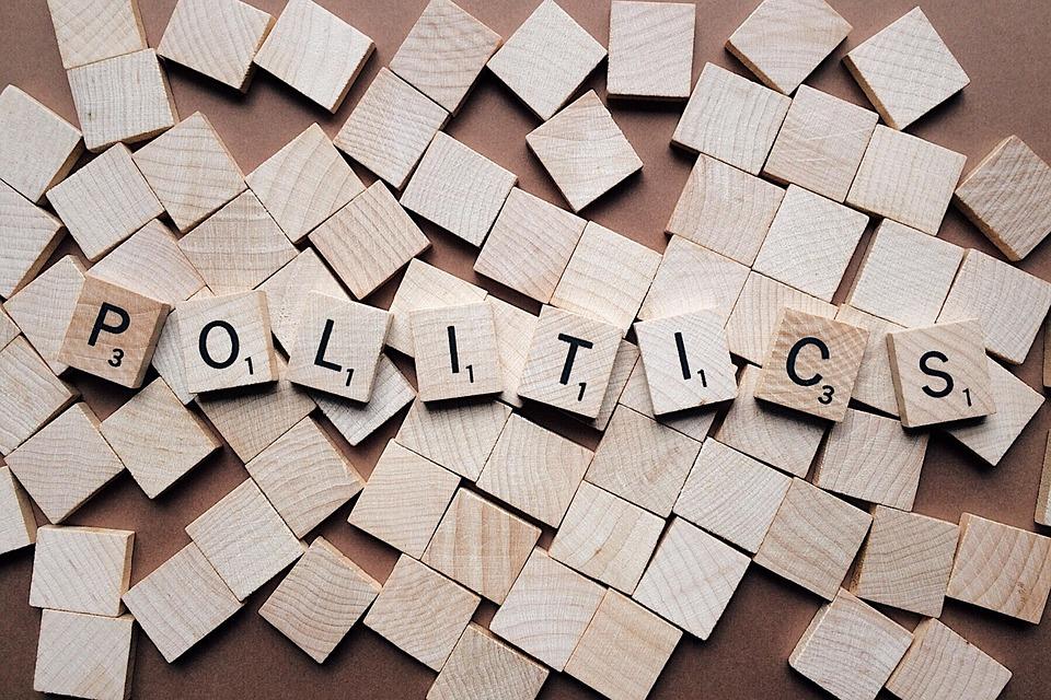 Rencontres en ligne : avoir les mêmes idées politiques favorise les contacts